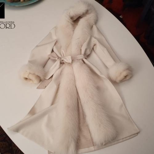 Cappotto cashmere e seta Piacenza + volpe artic marble Frost